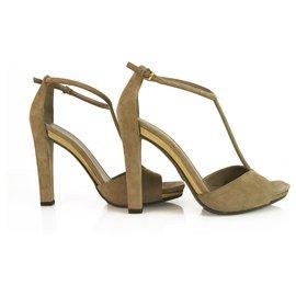 Gucci-Gucci Sandales d'été à talon en cuir et daim avec bride en T taille 37 Chaussures en parfait état-Taupe