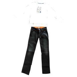 Armani-Outfit-Mehrfarben