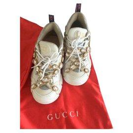 Gucci-Baskets-Beige