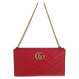 Gucci-Pochettes-Rouge
