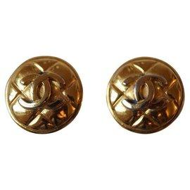 Chanel-Ohrringe-Golden