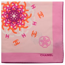 Chanel-Foulards de soie-Multicolore