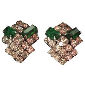 Christian Dior-Très jolie Paire de clips d'oreilles, Marque Christian Dior .(datant des environs 1960/70)-Vert foncé