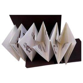 Louis Vuitton-Origami à nouer-Marron,Blanc