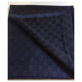 Gucci-Monogramm-Blau