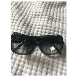 Chanel-Sunglasses-Black,Blue