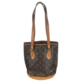 Louis Vuitton-Bucket-Brown