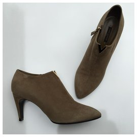 Louis Vuitton-Ankle Boots-Beige
