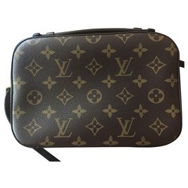 Louis Vuitton-Saintonge-Brown