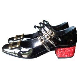 Yves Saint Laurent-chaussure style ballerine-Noir