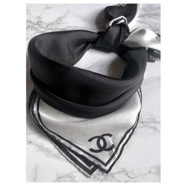Chanel-Chanel Square Black ecru silk-Black,Cream