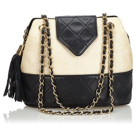Chanel-Sac à bandoulière en raphia tressé blanc Chanel-Noir,Blanc,Écru