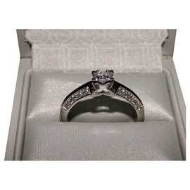 inconnue-Solitaire Diamond Ring-Silvery