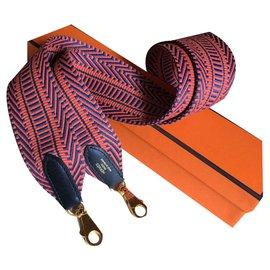 Hermès-Bandoulière HERMES en sangle Cavale et veau Swift, NEUVE-Multicolore