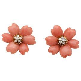 "Van Cleef & Arpels-Van Cleef und Arpels ""Yellow Rose"" Ohrringe in Gelbgold, Korallen und Diamanten.-Andere"