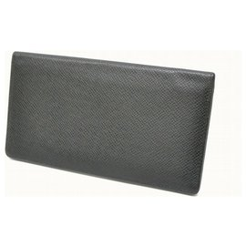 Louis Vuitton-Louis Vuitton Taiga Kartenetui-Schwarz
