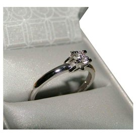 inconnue-Solitaire Diamond Ring  0,15 ct-Silvery