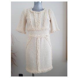 Chanel-Robes-Beige