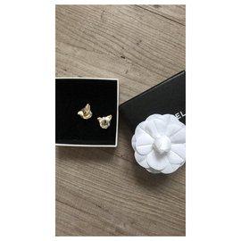 Chanel-Ohrringe-Weiß
