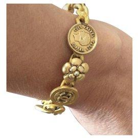 Chanel-Armbänder-Golden