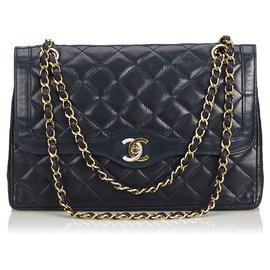 Chanel-Chanel Blue Medium Flap Bag mit Lammfellfutter-Blau,Marineblau