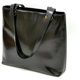 Gucci-Gucci Classique Leather-Black