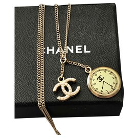 Chanel-Necklace + 2 Gold Metal Pendants ;compound 2 Pendants including a CC and a watch shape-Golden