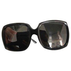 Burberry-Sunglasses-Black
