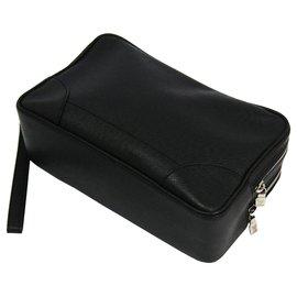 Louis Vuitton-Louis Vuitton Black Taiga Pavel Clutch-Black