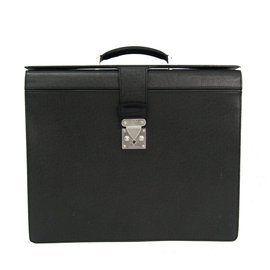Louis Vuitton-Louis Vuitton Black Taiga Pilot Case Oural-Black