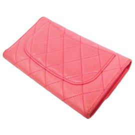 Chanel-Portefeuille Timel à rabat en cuir d'agneau matelassé rose Chanel-Rose