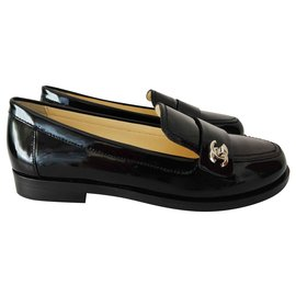 Chanel-Chanel round-toe loafers-Black