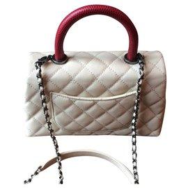 Chanel-Coco handle.     Série limitée-Beige