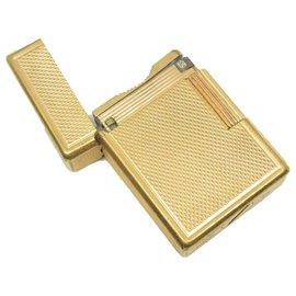 St Dupont-ST Dupont lighter in Golden Metal-Golden