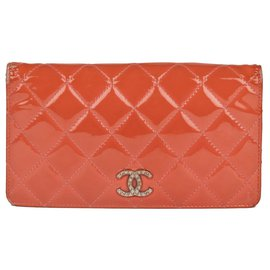 Chanel-Chanel wallet in coral quilted patent leather, correct condition!-Coral