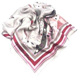 Louis Vuitton-Foulard en soie imprimée gris Louis Vuitton-Multicolore,Gris