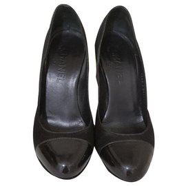 Chanel-Chanel Black satin and patent leather cap heels EU36-Beige