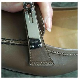 Hermès-Kelly lock shoes-Taupe