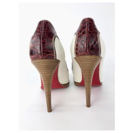 a19d08c7b82 Chaussures luxe Christian Louboutin occasion - Joli Closet