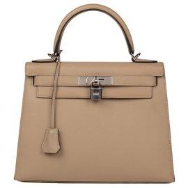 eaf94f5bc0 Hermès-Superbe Hermès Kelly 28 bandoulière en cuir epsom couleur Trench,  état neuf !