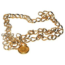 Chanel-Chanel gold metal chain belt with logo medallion-Golden