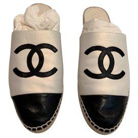 Chanel-Mules Espadrilles Chanel Classic EU39-Noir,Crème