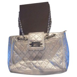 6aa9063f02 Chanel-Authentique sac Chanel Reissere model cabas East West Collector  shopping XL N° serie ...