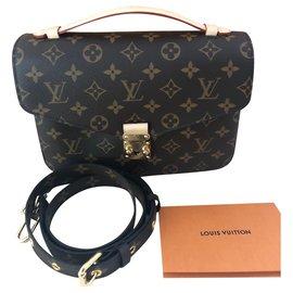 483e4d964d Dépot vente luxe, luxe occasion, achetez et vendez sur Joli Closet