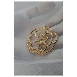 Chanel-CAMELIA CLAMP-Golden