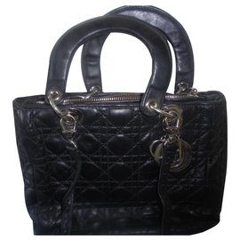 Chanel-Authentic vintage handbag medium model Lady vintage year 83 cook soft lamb cannage-Black