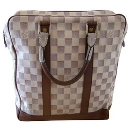 Louis Vuitton-lua quadriculada de Louis Vuitton-Branco