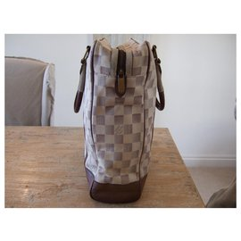 Louis Vuitton-louis vuitton checkered moon-White