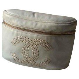 Chanel-Banana bag-Eggshell