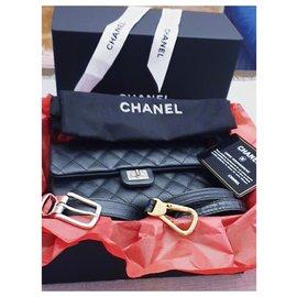 Chanel-Chanel banana chanel pouch / mini bag new-Black,Metallic